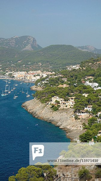 Coast and bays near the majorca town of Andratx  south of Majorca  Balearic  islands  Spain  Europe.