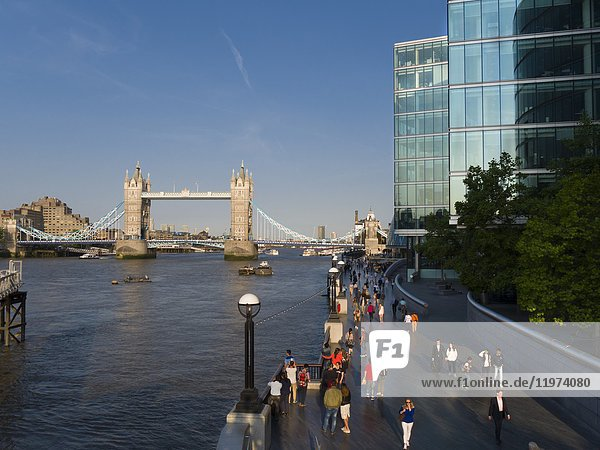 Europe  UK  England  London  Tower Bridge.