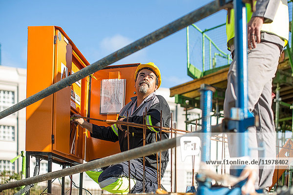 Bauarbeiter-Prüfmaschine