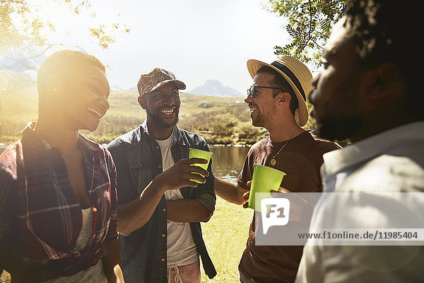 4,abhängen,Afrikaner,Afroamerikaner,Alkohol,Angesicht zu Angesicht