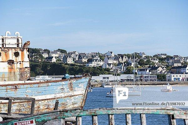 Shipwreck at the harbour. Camaret-sur-Mer  Finistère  Brittany  France.