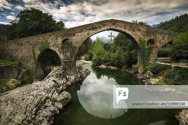 Roman bridge of Cangas de Onís on the river Sella  Asturias  Spain.