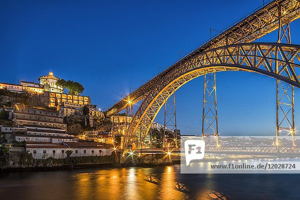 Bridge  arch bridge Ponte Dom Luis I over the Douro  dusk  Porto  Portugal  Europe
