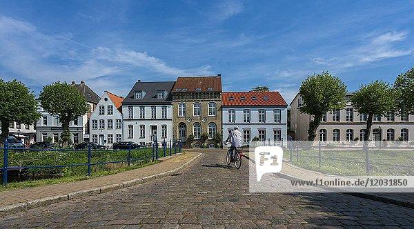 Häuserreihe  Friedrichstadt  Nordfriesland  Schleswig-Holstein  Deutschland  Europa