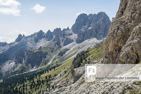 Wanderweg um die Rosengarten-Gruppe  Dolomiten  Südtirol  Trentino-Alto Adige  Italien  Europa