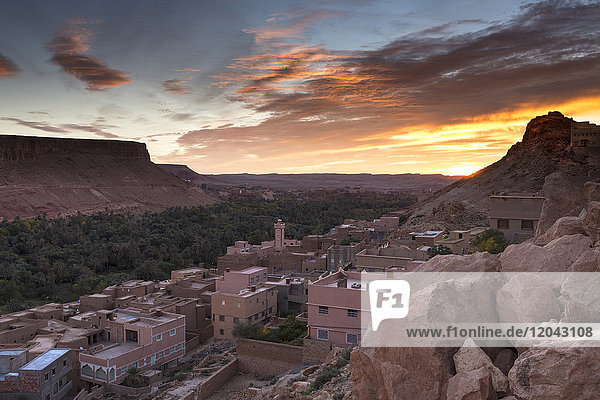 Sunrise over village south of the Todra Gorge near Tinerhir  Morocco  North Africa  Africa