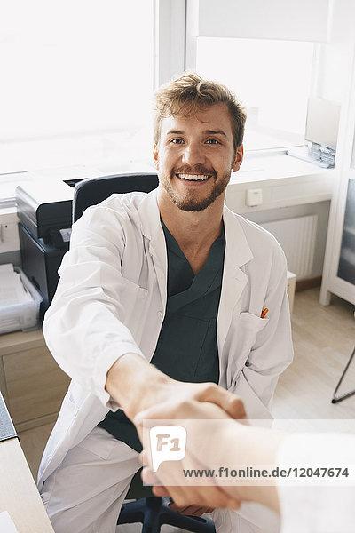 2,Allgemeinarzt,Angesicht zu Angesicht,ansehen,Ansicht,Anzahl