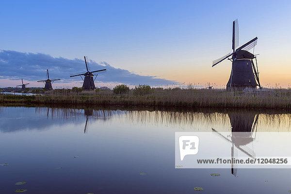 Windmills at Dawn  Kinderdijk  South Holland  Netherlands
