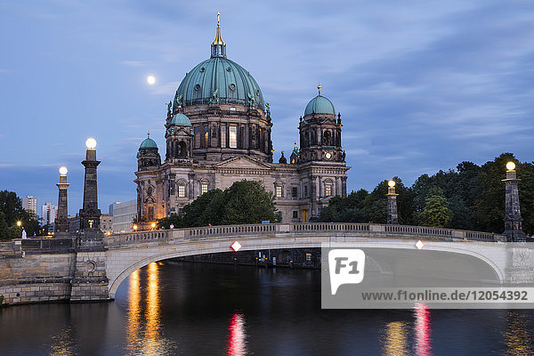 Germany  Berlin  view to Berliner Dom at blue hour