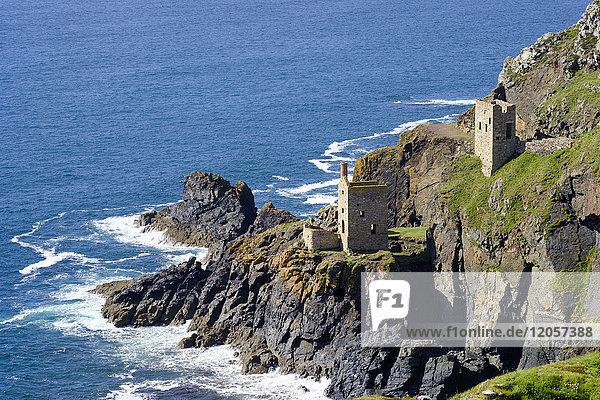 UK  Cornwall  Ruinen einer alten Zinnmine