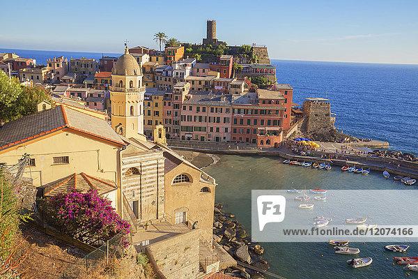 The colorful sea village of Vernazza  Cinque Terre  UNESCO World Heritage Site  Liguria  Italy  Europe