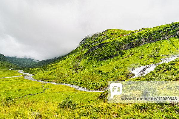 Norwegen  Hedmark  Tufsindalen  Wasserfall