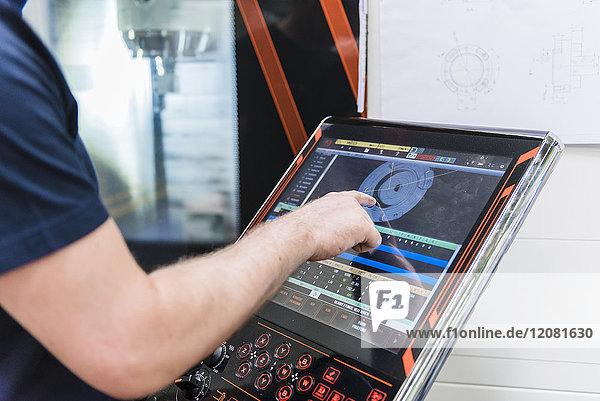 Nahaufnahme der Maschine im Industriebetrieb