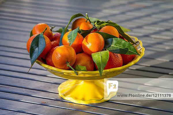 Tangerines on a presentation dish