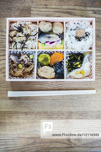 Asiatische Küche,Asien,Aufsicht,Beilage,Bento Box,Besteck