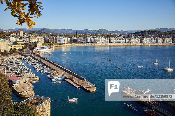 Port,  La Concha bay,  Donostia,  San Sebastian,  Gipuzkoa,  Basque Country,  Spain,  Europe