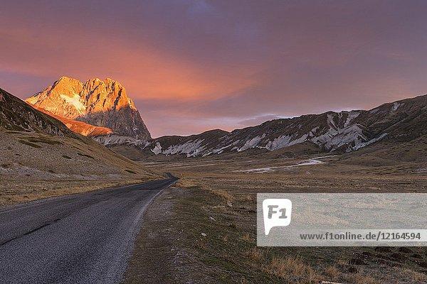 The Big Horn of Gran Sasso Mountain at sunrise  Campo Imperatore  L'Aquila district  Abruzzo  Italy.