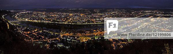 Deutschland  Rheinland-Pfalz  Trier  Stadtbild bei Nacht