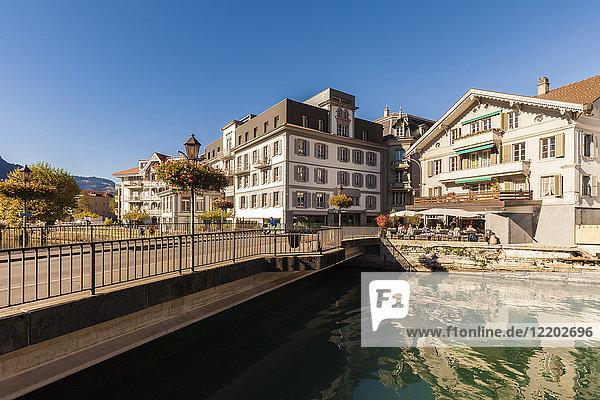 Schweiz  Bern  Berner Oberland  Interlaken  Altstadt  Aare