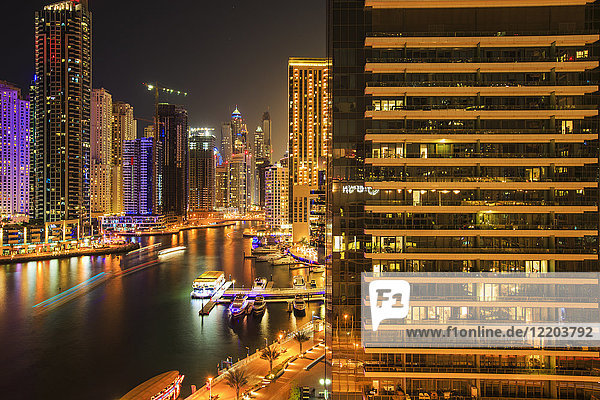United Arab Emirates  Dubai  Dubai Marina at night