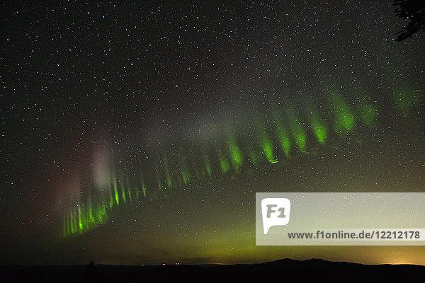Nordlicht am Himmel  Nickel Plate Provincial Park  Penticon  Britisch-Kolumbien  Kanada Nordlicht am Himmel, Nickel Plate Provincial Park, Penticon, Britisch-Kolumbien, Kanada