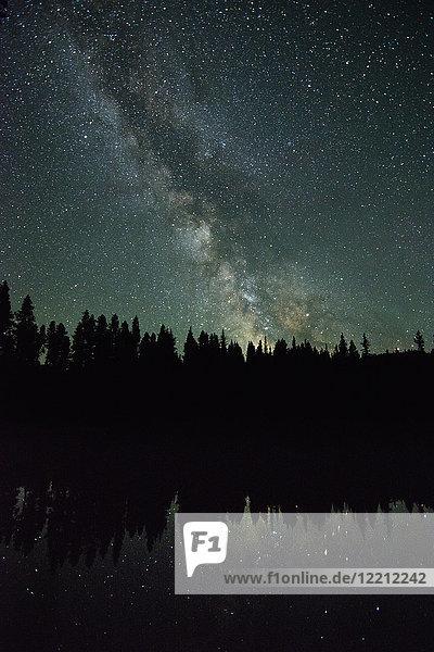 Milchstraßen-Galaxie  Nickelplatten-Provinzpark  Penticon  Britisch-Kolumbien  Kanada Milchstraßen-Galaxie, Nickelplatten-Provinzpark, Penticon, Britisch-Kolumbien, Kanada