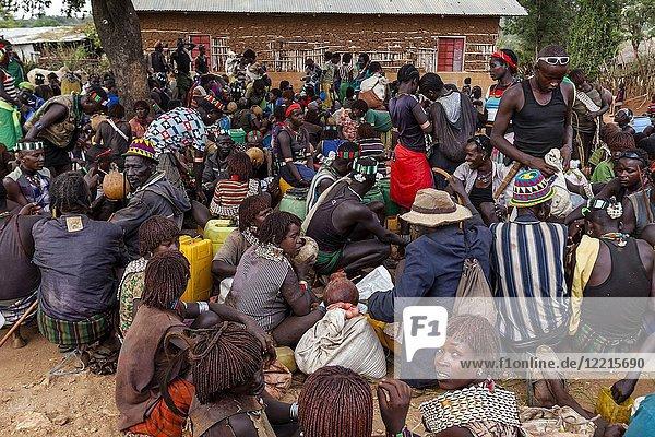 Hamer and Banna People Socialising At The Alduba Tribal Market  near Keyafer  Omo Valley  Ethiopia.