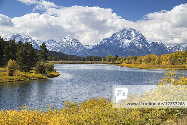 USA,  Wyoming,  Landscape with Snake River and Teton Range