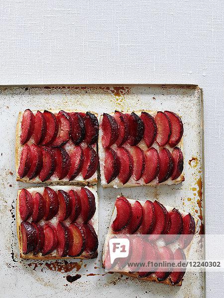 Hot Buttered Plum Pudding (Pflaumenpudding  England)