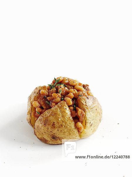 Baked Potatoe mit Bacon und Baked Beans