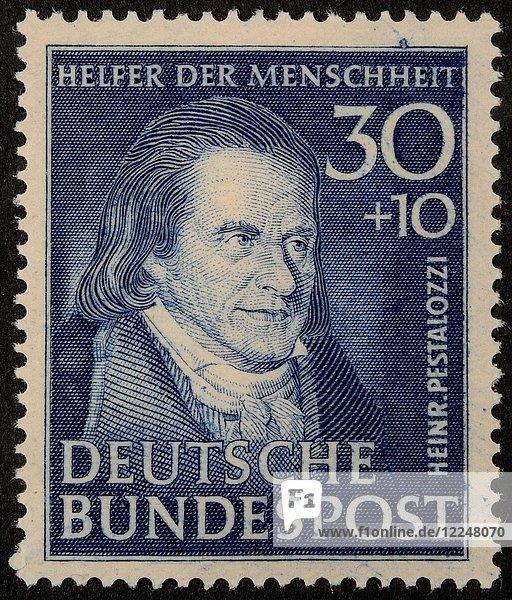 Heinrich Pestalozzi  Schweizer Pädagoge und Bildungsreformer  Porträt auf deutscher Briefmarke 1951
