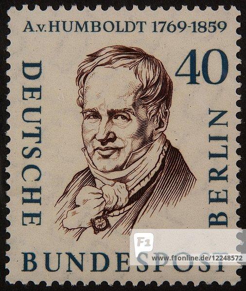 Alexander von Humboldt  preußischer Philosoph  Sprachwissenschaftler  Regierungsfunktionär  Diplomat und Gründer der Humboldt-Universität zu Berlin  Porträt auf deutscher Briefmarke 1959