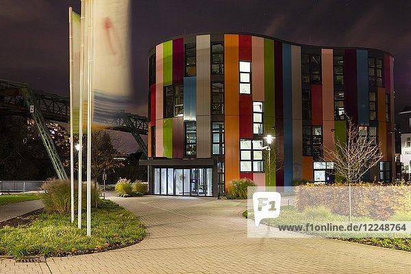 Junior-Uni  Nachtaufnahme  Wuppertal  Bergisches Land  Nordrhein-Westfalen  Deutschland  Europa