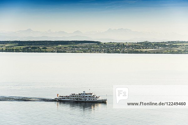 View of Lake Constance with excursion boat  in the back the Swiss Alps with Säntis  near Meersburg  Baden-Württemberg  Germany  Europe