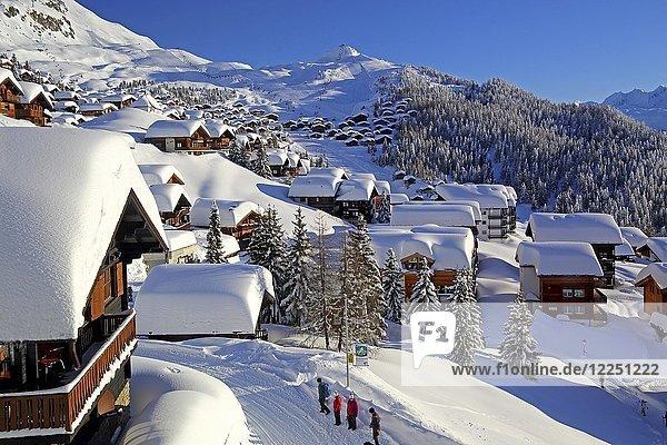 Ortsteil Alpmatten verschneit  Bettmeralp  Aletschgebiet  Oberwallis  Wallis  Schweiz  Europa