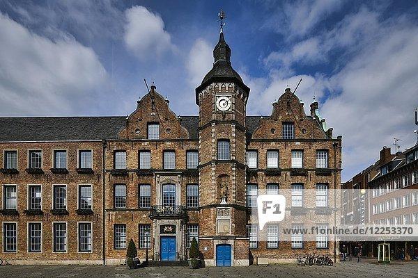 City Hall  Düsseldorf  North Rhine-Westphalia  Germany  Europe