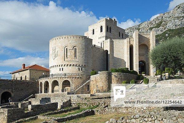 Skanderbeg-Museum  Festung  Kruja  Albanien  Europa