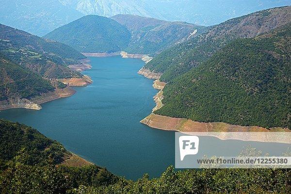 Fierza-Stausee  Fluss Drin bei Fierza  Albanien  Europa