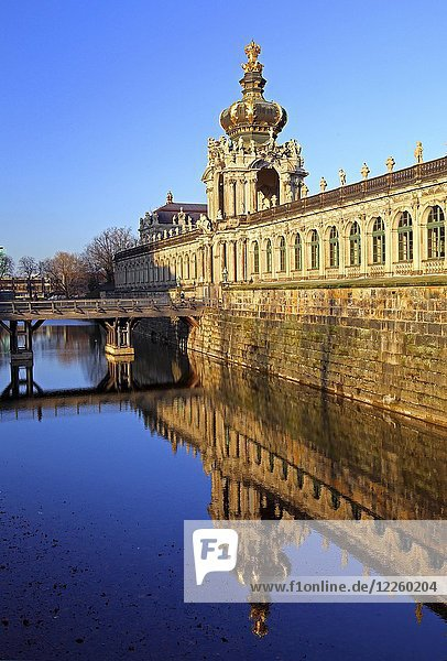 Zwinger mit Kronentor und Langgalerie  Dresden  Sachsen  Deutschland  Europa