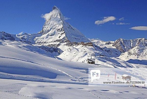 Kapelle am Riffelberg 2582m vor Matterhorn  4478m  im Winter  Zermatt  Mattertal  Wallis  Schweiz  Europa