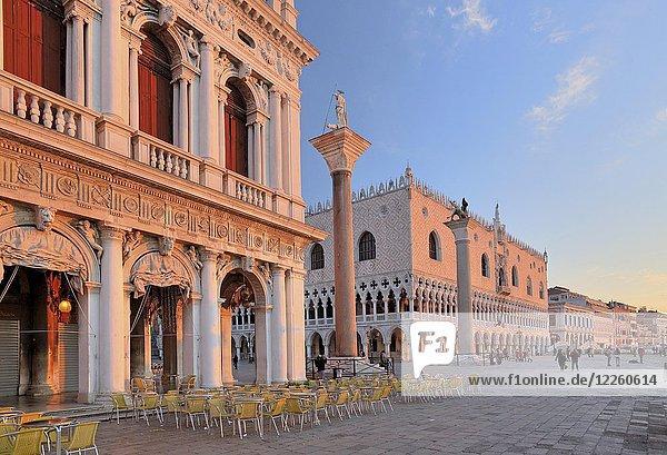 Piazzetta mit Dogenpalast  Morgenstimmung  Venedig  Italien  Europa