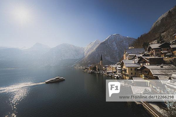 Österreich  Salzkammergut  Hallstatt mit Hallstätter See