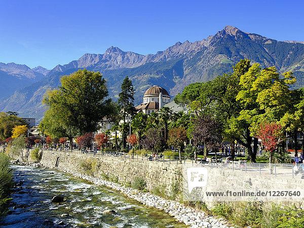 Italien  Südtirol  Meran  Kurhaus und Passer