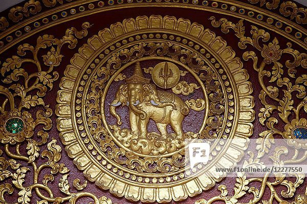 Tympanum decoration at Wat Chedi Luang.
