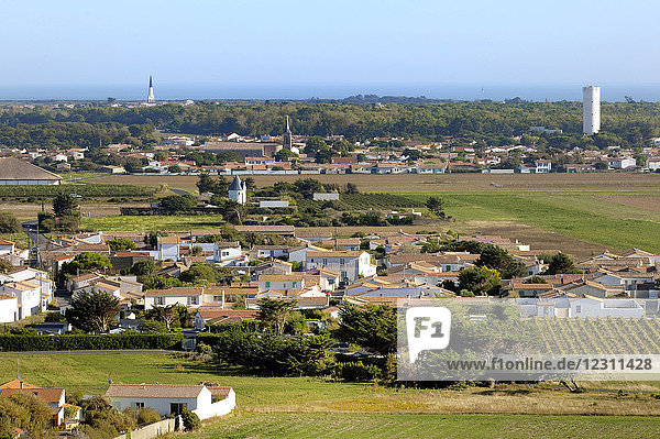 France  West coast of France  Isle of Rhe  view of the villages St Clement-les-Baleines and Ars-en-Re