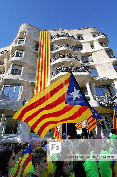 La Pedrera  Milà house. Political demonstration for the independence of Catalonia. Estelades  Catalan independent flags. October 2017. Barcelona  Catalonia  Spain