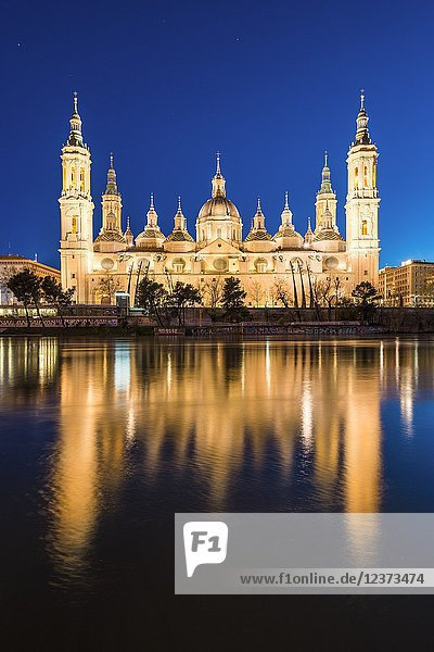 Cathedral of Our Lady of the Pillar at dusk. Zaragoza  Aragon  Spain  Europe.