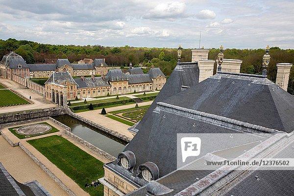 View from Vaux-le-vicomte castle.