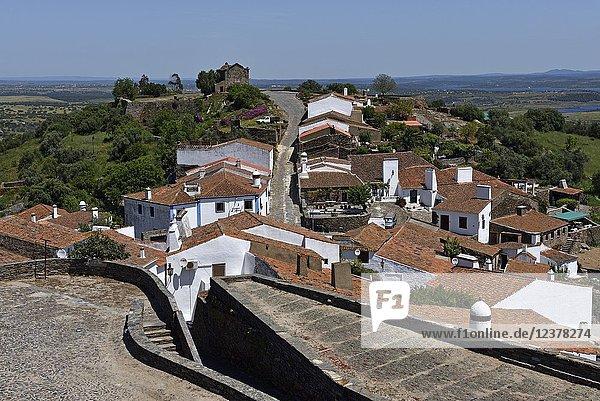 Perched village Monsaraz  Municipality of Reguengos de Monsaraz  Alentejo region  Portugal  southwertern Europe.