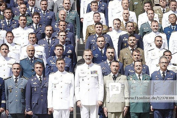 King Felipe VI of Spain attends the Closing of the 19th General Staff Course of the High School of the Armed Forces at Higher Center for National Defense Studies on June 25  2018 in Madrid  Spain